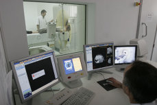 Un pacient a distrus computerul tomograf de la Spitalul din Suceava