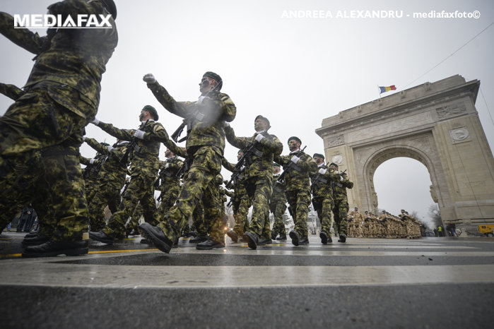Parada de 1 Decembrie. Iohannis şi Cioloş, huiduiţi de Ziua Naţională