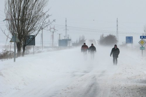 Cod galben de ninsori şi ger. A2, A4 şi 25 de drumuri naţionale, BLOCATE