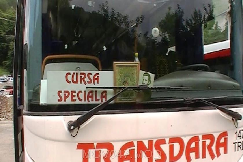 Autocar cu credincioşi care se întorceau de la mormântul lui Arsenie Boca, accident în Vâlcea
