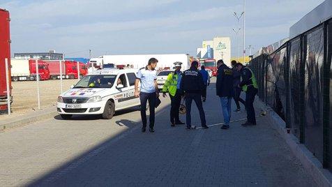 Accident de muncă groaznic: un şofer din Piteşti şi-a spulberat cinci colegi în curtea instituţiei, o femeie a murit pe loc