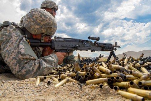 Lista clienţilor de armament ai României. Cum au ajuns exporturile de arme la recordul ultimilor 10 ani