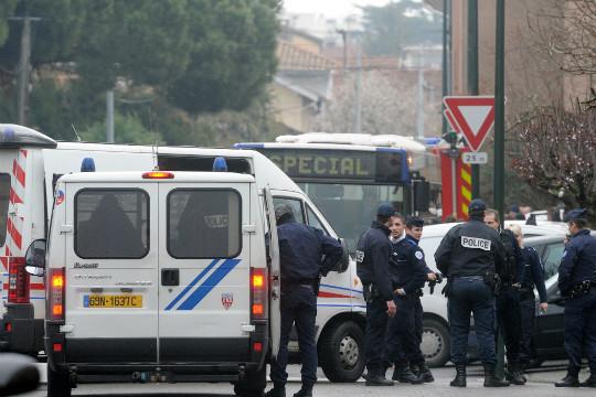 O secţie de vot din estul Franţei a fost evacuată din cauza unui vehicul suspect