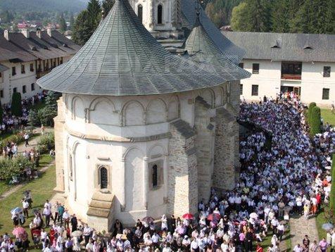 Creştin-ortodocşii din România vor celebra 4 noi sfinţi. Cine sunt preoţii canonizaţi de Sinodul Bisericii Ortodoxe