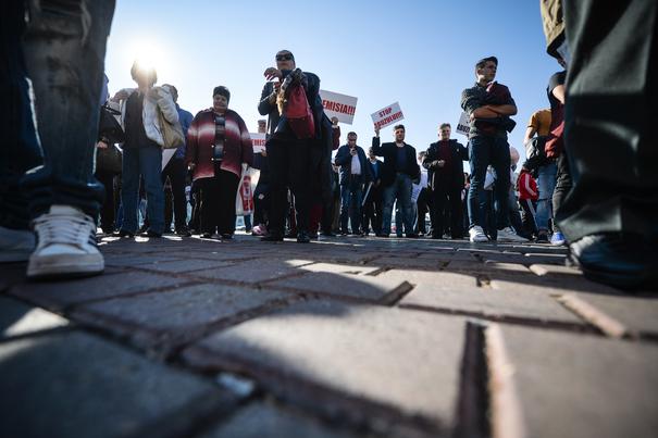 După 5 ore de negocieri, sindicaliştii de la Finanţe s-au înţeles cu ministrul: Mergem la Parlament