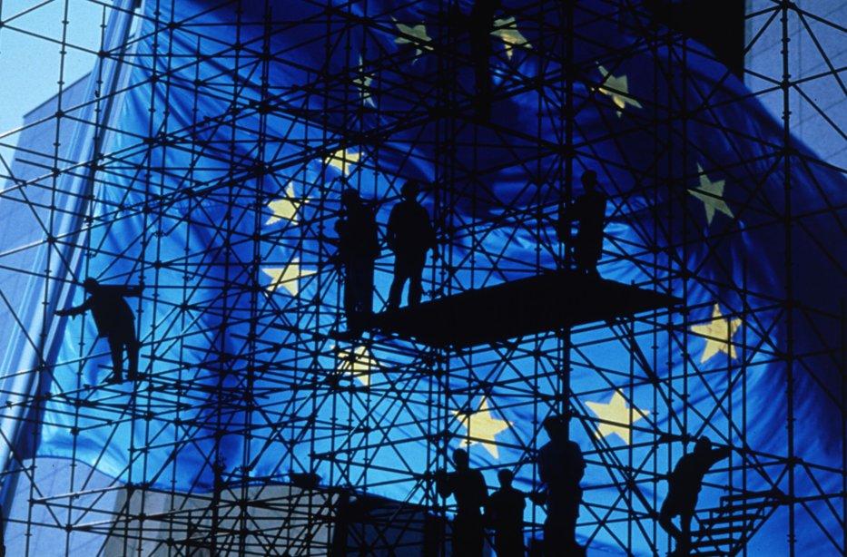 """UE aplică o procedură ÎN PREMIERĂ în cazul României. """"Devierea semnificativă"""", constatată de Bruxelles. Reacţia PSD"""