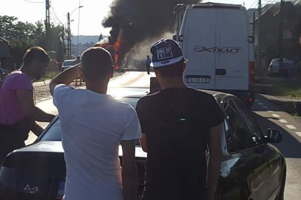 Imagini incredibile pe DN 7: un TIR încărcat cu rigips, distrus în totalitate de un incendiu