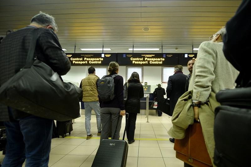Pasagerii care au programate zboruri de pe Aeroportul Otopeni trebuie să se prezinte la îmbarcare cu trei ore înainte. Anunţul instituţiei