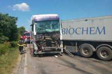 Un mort şi 13 răniţi după ce un TIR şi un microbuz s-au ciocnit în Teleorman. PLAN ROŞU de intervenţie. UPDATE