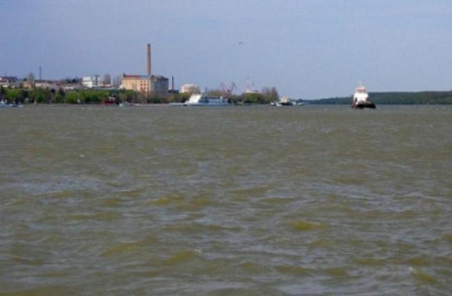 În dreptul oraşului Galaţi a apărut o insulă pe Dunăre. Noua atracţie le pune probleme navigatorilor