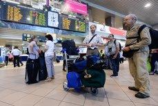 La fiecare trei minute un român pleacă din ţară. Pierderea pentru economie este este uriaşă