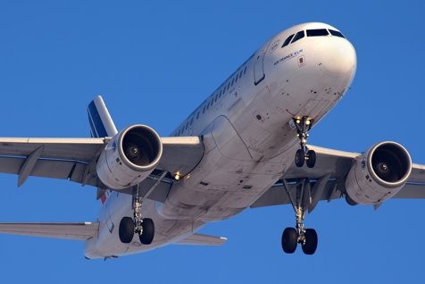 Emoţii mari pentru pasagerii unei curse Air France: Avionul a ratat aterizarea pe aeroportul Otopeni