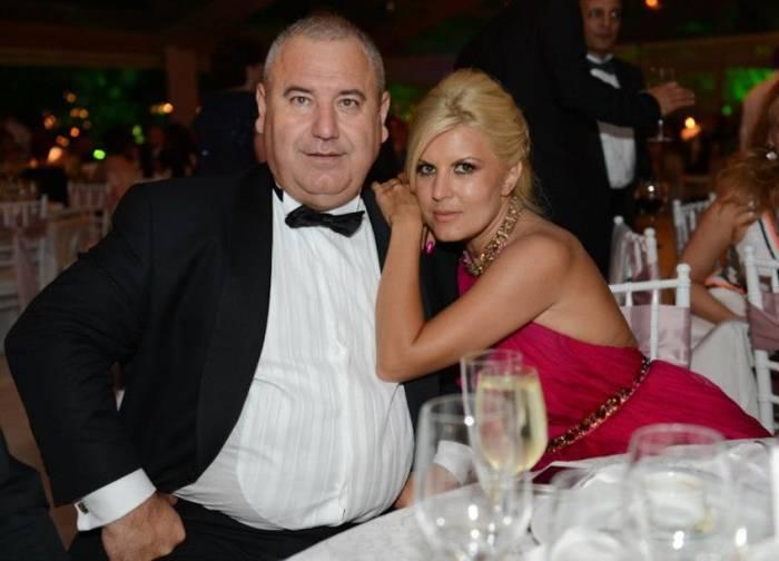 Fiscul vinde magazinele lui Dorin Cocoş, din Bucureşti. Fostul soţ al Elenei Udrea câştigă, lunar, peste 30.000 de euro