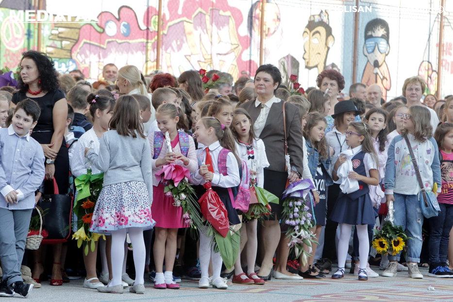 Cum s-au pierdut 40.000 de copii din România în drum spre clasa pregătitoare. Ministrul Educaţiei: Poate au uitat părinţii să îi înscrie