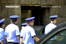 Salariile poliţiştilor cresc cu 10%