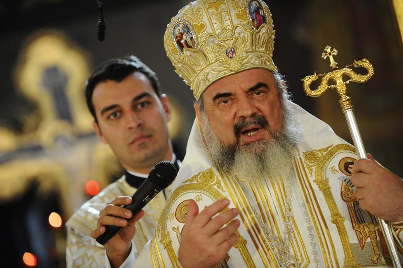 Prima reacţie a Patriarhiei Română la legea vaccinării obligatorii. Mesaj pentru părinţii care nu vor să-şi imunizeze copiii