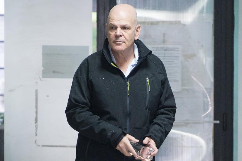 Poliţistul care l-a scăpat din supraveghere pe mituitorul lui Mazăre, acuzat de favorizarea făptuitorului, şefii săi au fost retrogradaţi