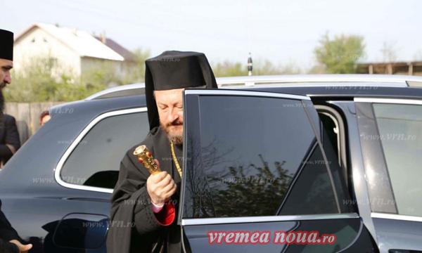 Episcopul Huşilor se retrage la mănăstire, după scandalul sexual în care a fost implicat