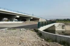"""De ce nu e gata nici acum podul peste Dâmboviţa care trebuia inaugurat în urmă cu cinci ani. """"Detaliul de proiectare"""" care nu a fost luat în calcul"""