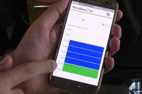 """Câţiva tineri din Craiova au creat o aplicaţie care te ajută să nu mai ratezi nicio programare. Cum funcţionează """"Agenda viitorului"""""""