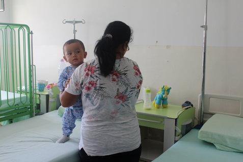 """Copil de 2 ani, cu alergie severă, lăsat fără tratament în spital pentru că """"dermatologii nu lucrează"""". FOTO"""