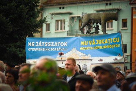 """""""Soluţia locală"""" a ministrului Educaţiei pentru scandalul diplomatic România-Ungaria. Kelemen: Campanie împotriva Liceului Romano - Catolic se încadrează în seria acţiunilor anti-maghiare"""