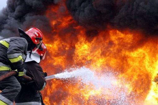 Incendiu în curtea fabricii de cherestea Holzindustrie Schweighofer. Ce explicaţii dau reprezentanţii firmei