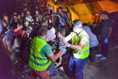 157 de migranţi, între care 56 de copii, la bordul ambarcaţiunii ce plutea în derivă pe Marea Neagră. VIDEO
