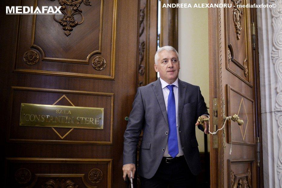 """Ţuţuianu povesteşte cum a  fost convins de Tudose să-şi scrie demisia: """"Mi-a zis că preşedintele partidului i-a cerut să rezolve asta"""""""