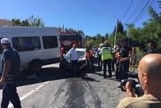 Cel puţin 13 persoane rănite după accident între un microbuz şi un autoturism în Hunedoara. A fost activat planul roşu de intervenţie