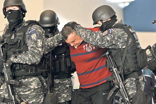 Pedeapsă uriaşă pentru cel mai căutat interlop român din Europa. Câţi ani va avea Clămparu când iese din închisoare