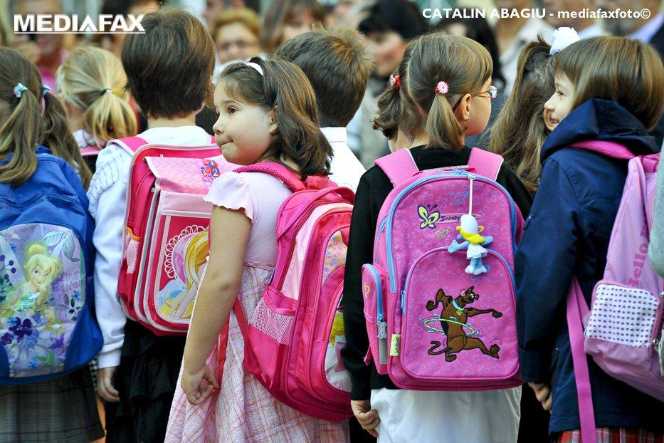 Mii de elevi din Bistriţa-Năsăud, în şcoli neautorizate sanitar, fără avize de securitate la incendiu şi fără niciun sistem de pază