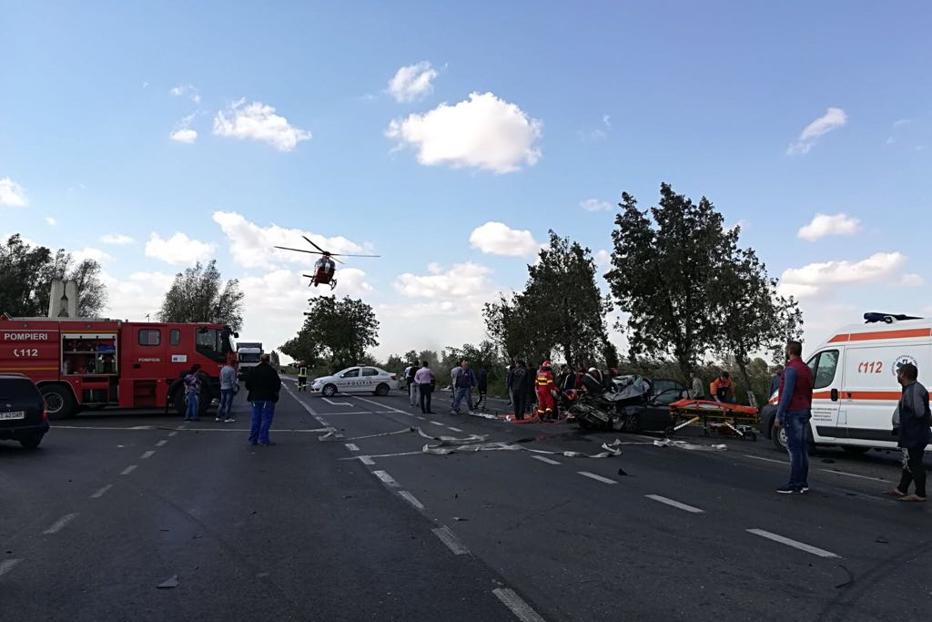 Accident grav în Constanţa. Trei morţi, o persoană în comă şi alte şapte rănite. UPDATE