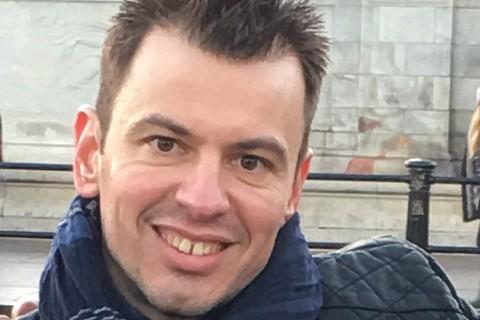 Bărbat în vârstă de 37 de ani, dat dispărut în Bucureşti de mai bine de o lună. FOTO