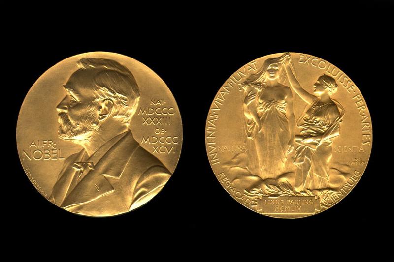 Premiul NOBEL pentru Medicină, câştigat de Jeffrey C. Hall, Michael Rosbash şi Michael W. Young