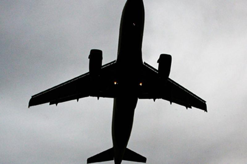 După Ryanair, un alt operator aerian îşi anulează zborurile. Zeci de mii de pasageri, afectaţi