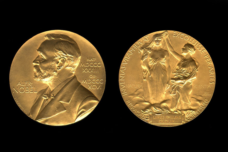 Premiului Nobel 2017 pentru Chimie: J. Dubochet, J. Frank şi R. Henderson