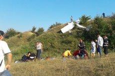 Un avion de mici dimensiuni a aterizat forţat în Alba. Care este starea pilotului