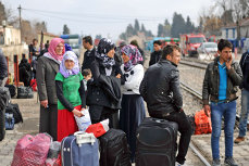 Zeci de imigranţi găsiţi în Timişoara, în Complexul Studenţesc şi într-o tabără improvizată