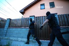 Închisoare pentru românii care dau muzica prea tare