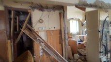 Explozie într-un bloc din Lugoj. Un bărbat a fost grav rănit
