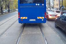 """Ministrul Carmen Dan, despre şoferul Jandarmeriei filmat când merge cu viteză pe linia de tramvai: """"Va plăti!"""""""