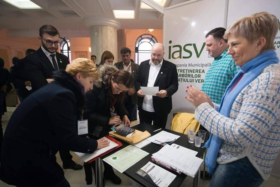 Bătaie pe posturile scoase la concurs de Primăria Bucureşti: peste 20.000 de bucureşteni şi-au depus CV-urile pentru cele 2.000 de locuri de muncă