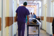 România, somată de Comisia Europeană să reducă şpăgile din sistemul medical