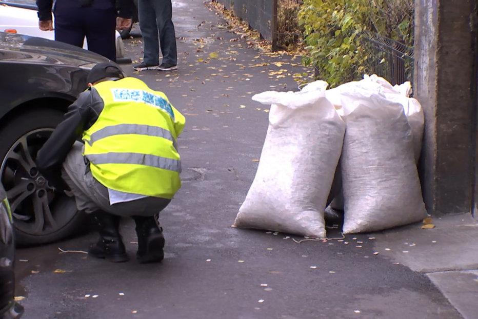 Poliţia a aflat cui aparţin cei 5 saci cu milioane de cartele SIM, găsiţi pe o stradă din Bucureşti