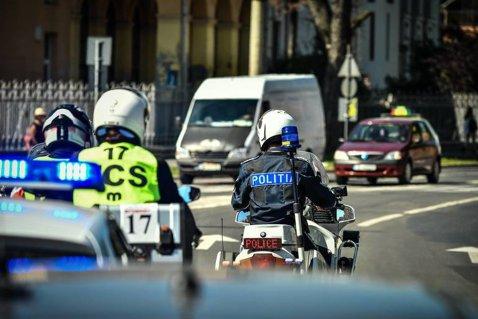 ABSOLUT toţi şoferii din ROMÂNIA vor fi OBLIGAŢI să facă asta. Află AICI dacă te încadrezi în această CATEGORIE! Tot ce trebuie să faci este...