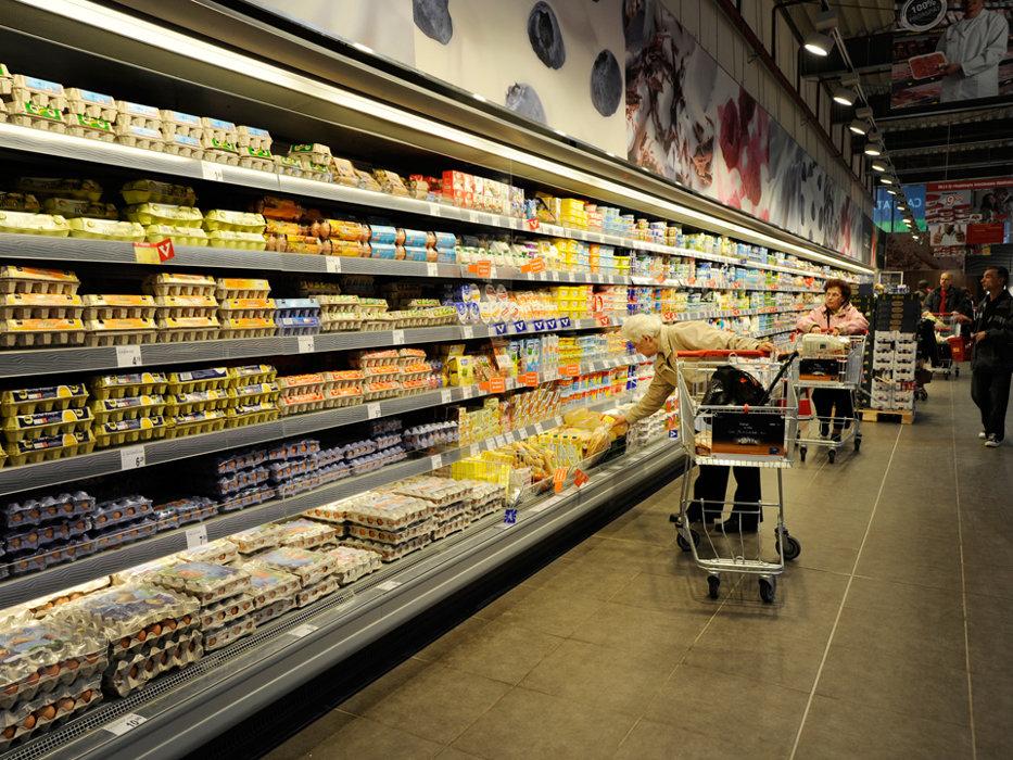 După criticile lui Daea privind creşterea preţurilor la alimente, un lanţ important de supermarketuri ia o decizie neaşteptată