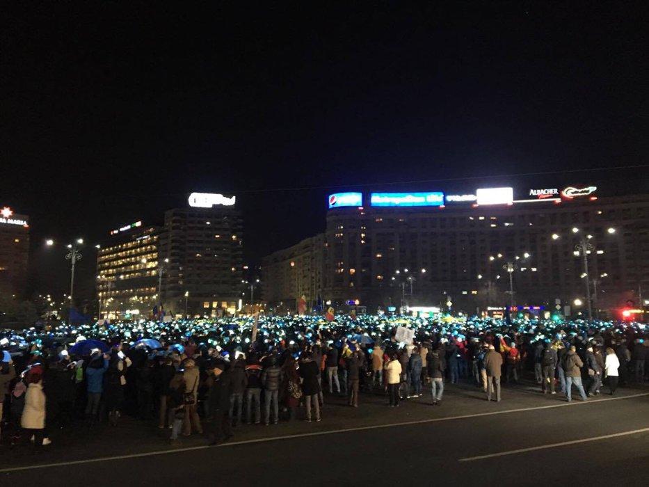 Noi proteste în Bucureşti şi în marile oraşe din ţară faţă de modificările Codului Fiscal şi legilor Justiţiei. UPDATE