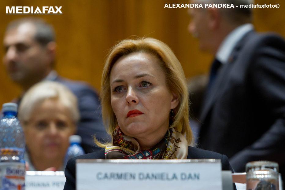 Secretarul general adjunct al PSD îi sugerează lui Carmen Dan că ar trebui să facă schimbări la MAI: Să se gândească foarte serios