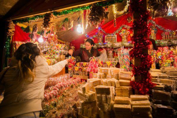 Unde va fi mutat târgul de Crăciun care trebuia organizat în Piaţa Victoriei